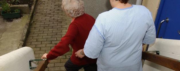 Forebyggelsesindsatsen i ældreplejen skal styrkes